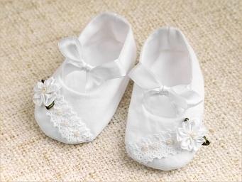 шитые пинетки-туфельки с цветочком и бусинами