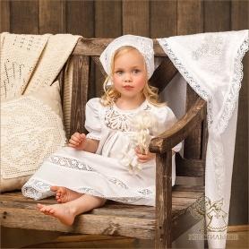 кружевное крестильное полотенце с ажурным вышитым крестиком