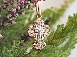 Золотой крестик на Крещение девочки