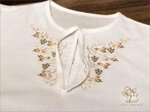 крестильная рубашка из бязи с красивой виноградной вышивкой