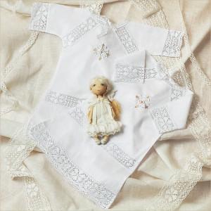 крестильная рубашка для девочки с равносторонним крестиком на груди