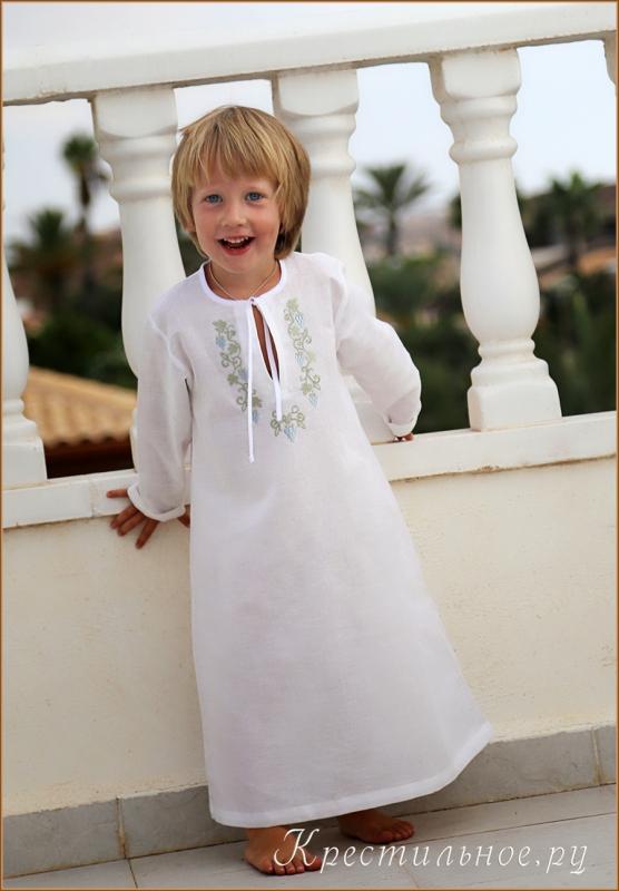 Вышивка на крестильной рубашке девочке