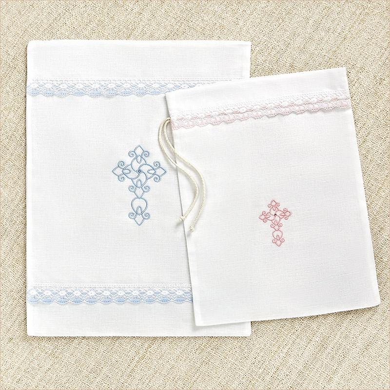 льняной мешочек для крестильного с цветным кружевом и православным крестиком