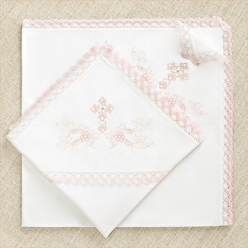 пеленка для крещения с розовым кружевом и вышивкой