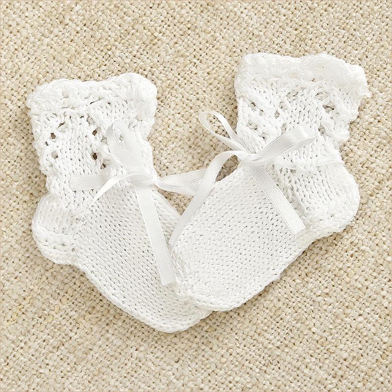хлопковые вязаные носочки для малыша с ажурным верхом