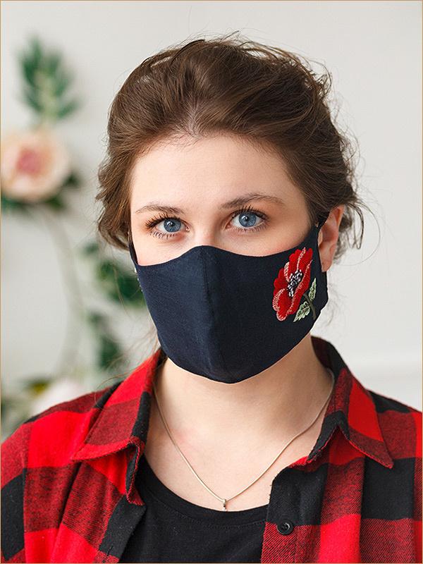 Темная маска с вышивкой Мак
