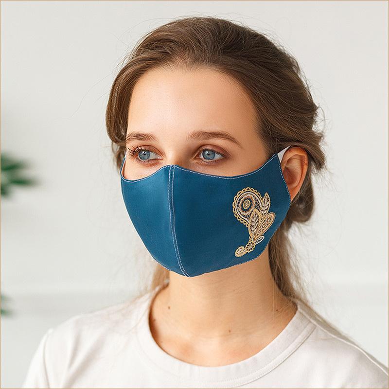 Вышитая маска Пейсли на синем