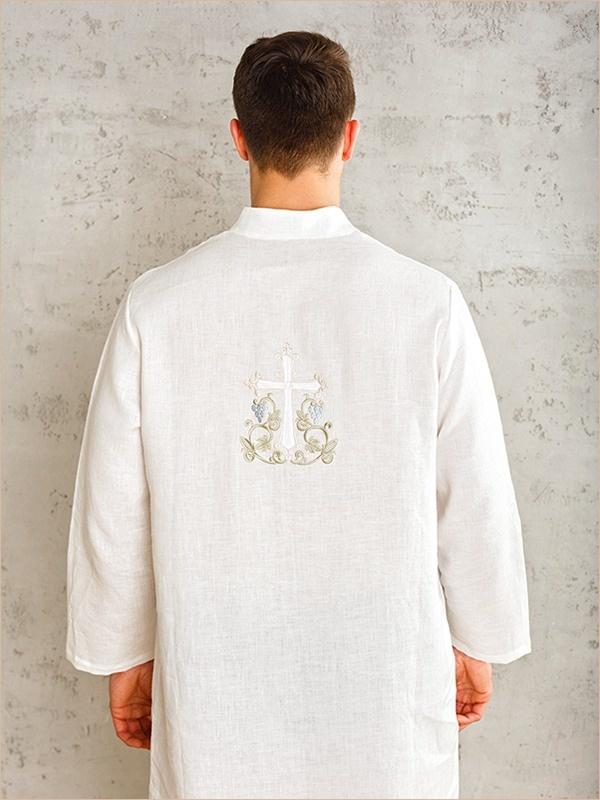 крестильная рубашка мужская вид со спины