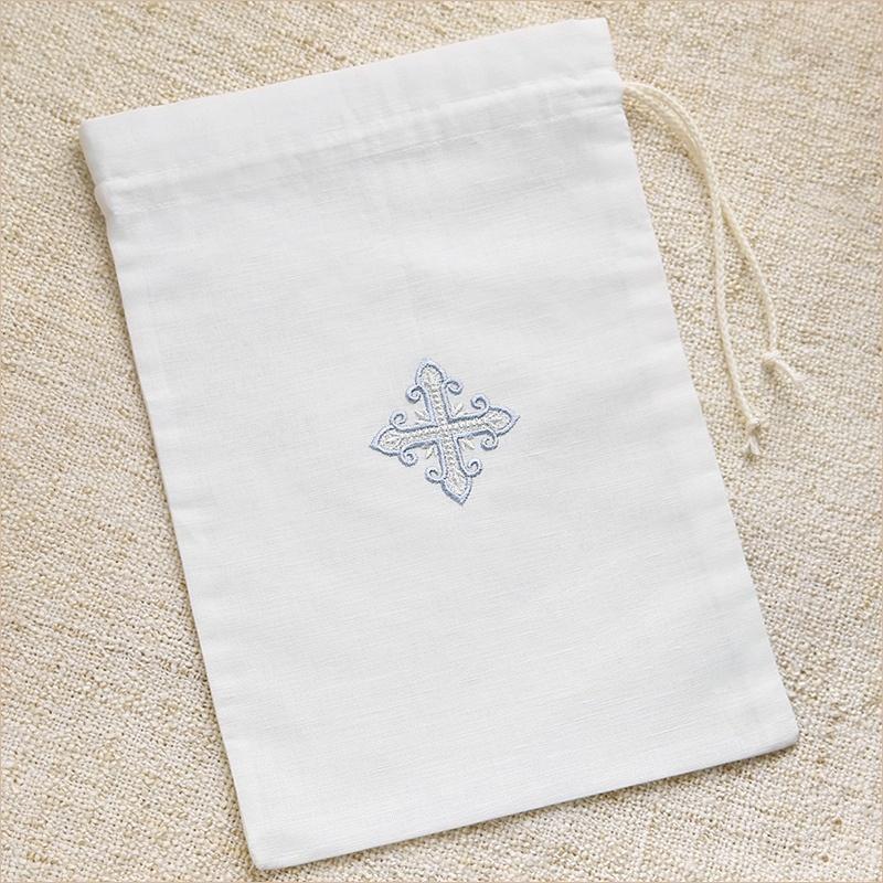мешочки с вышивкой для хранения крестильной одежды