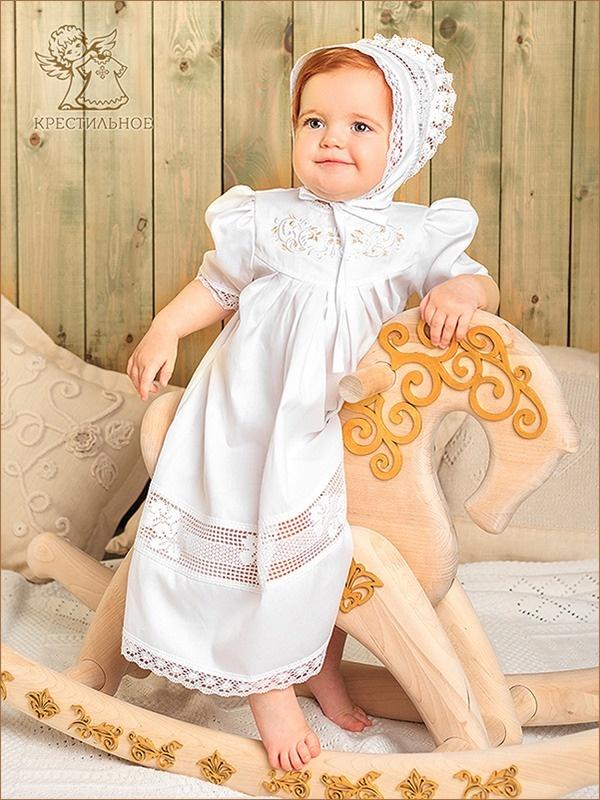 платье и чепчик на ребенке