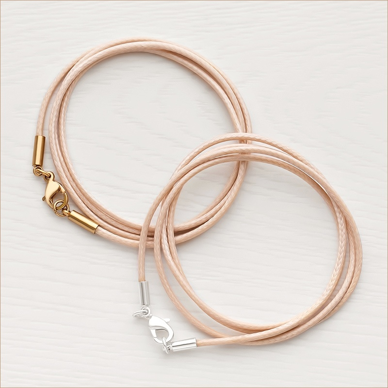 универсальные шнурки 2 мм для крестика из текстиля телесного цвета с латунной застежкой