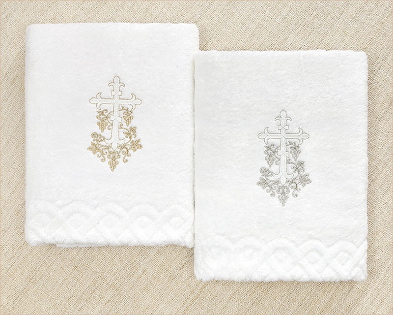 крестильное полотенце с золотой и серебряной вышивкой