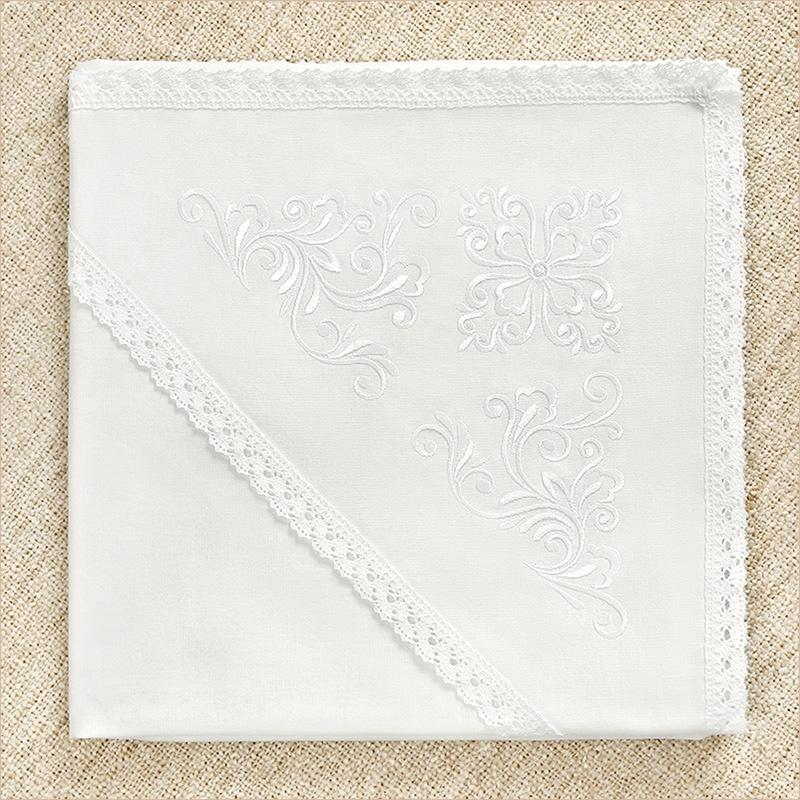 Крестильная пеленка из бязи с белой вышивкой для девочки